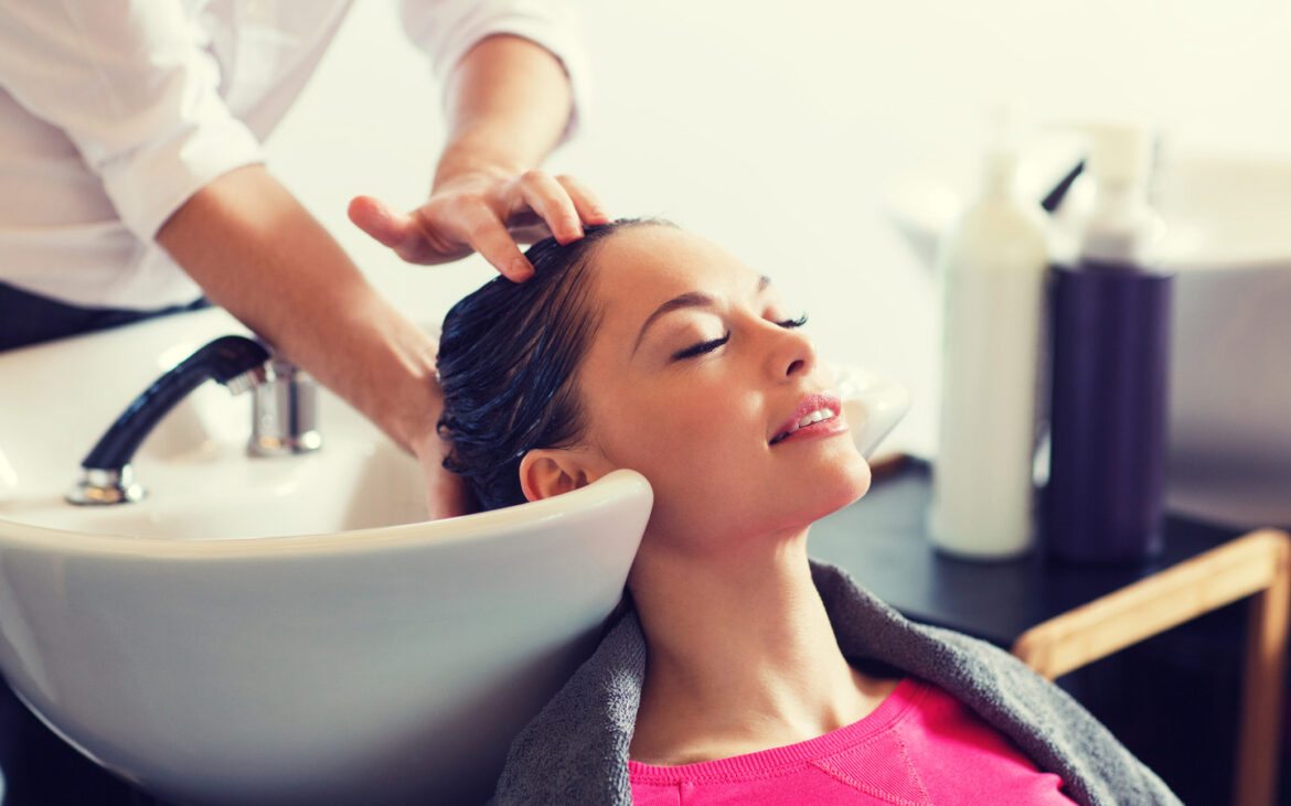 Get a Hairdo at Salon in Silicon Oasis Dubai and You Can Get Another Look