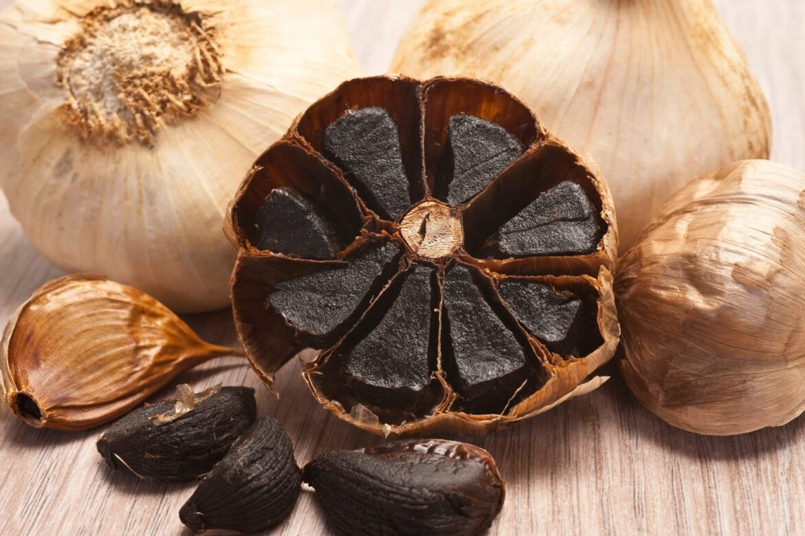 The Benefits and Many Uses of Black Garlic