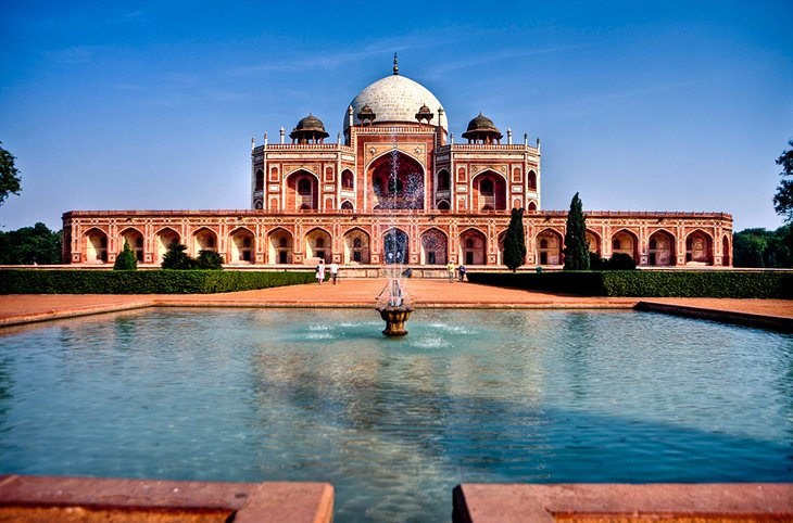 Top Attractions to Visit in New Delhi