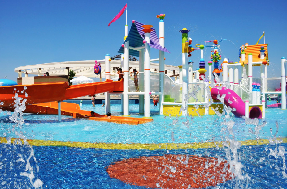 Tips For Choosing the Right Aquatic Play Structure For Your Water Park